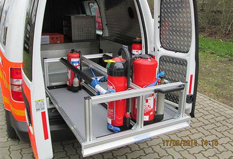 Nordsysteme-Sonderfahrzeuge, Schwerlastauszug VW Caddy inkl. Ladungssicherung für Feuerlöscher