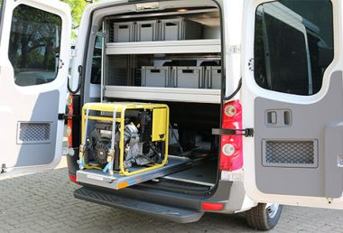 Nordsysteme - Sonderfahrzeuge, Schwerlastauszug-VW-Crafter, Notstromaggregat