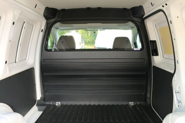 trennwand vw caddy mit fenster nordsysteme. Black Bedroom Furniture Sets. Home Design Ideas