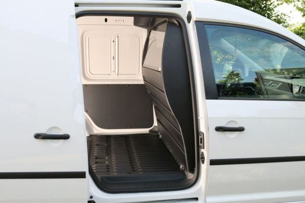 trennwand vw caddy mit fenster und innenverkleidung. Black Bedroom Furniture Sets. Home Design Ideas