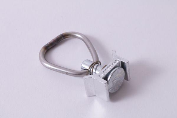 single-stud-mit-ring